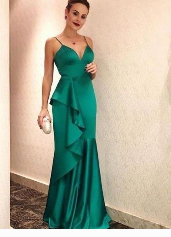 Amazing long green dress with ruffles